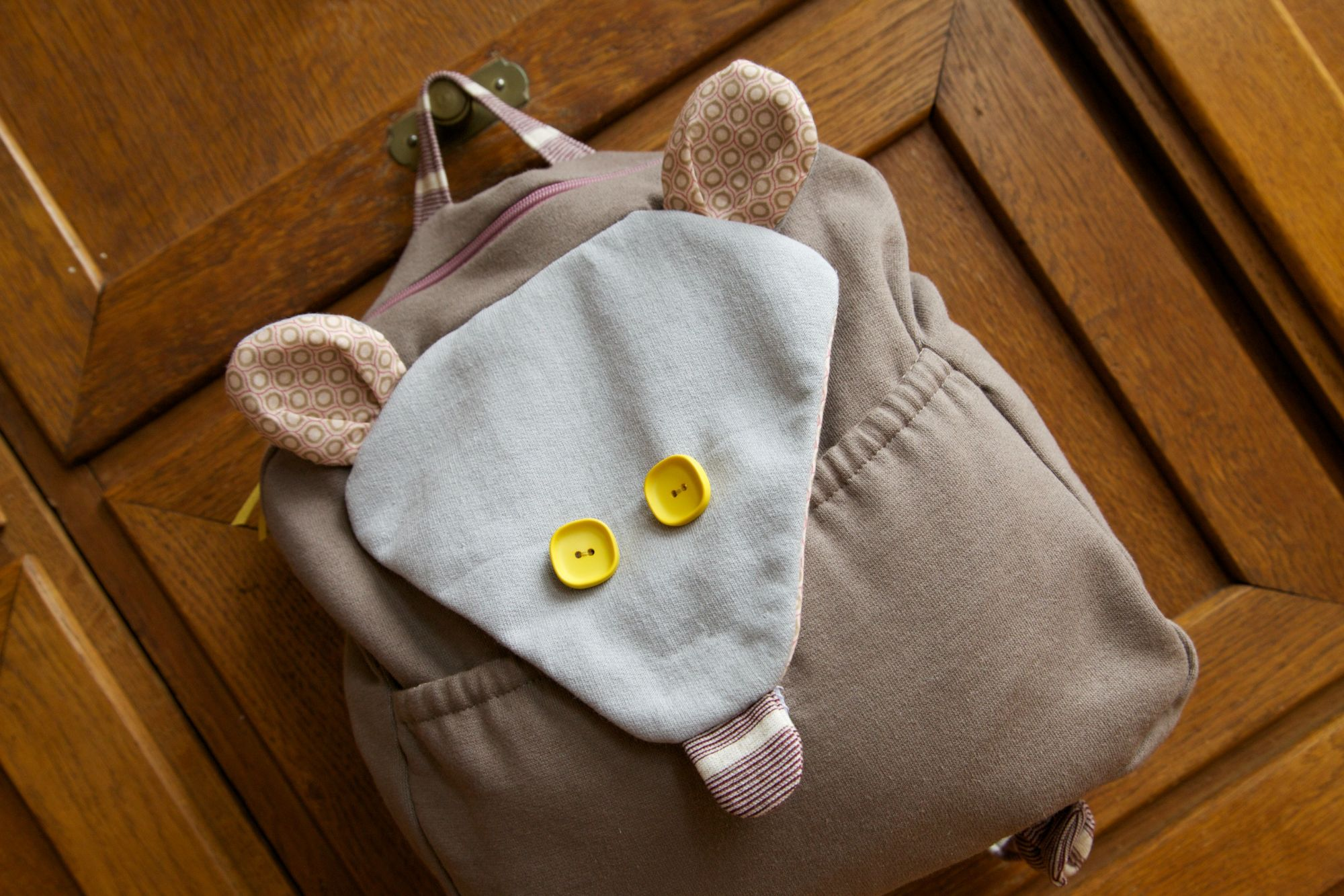 A little backpack for Flora
