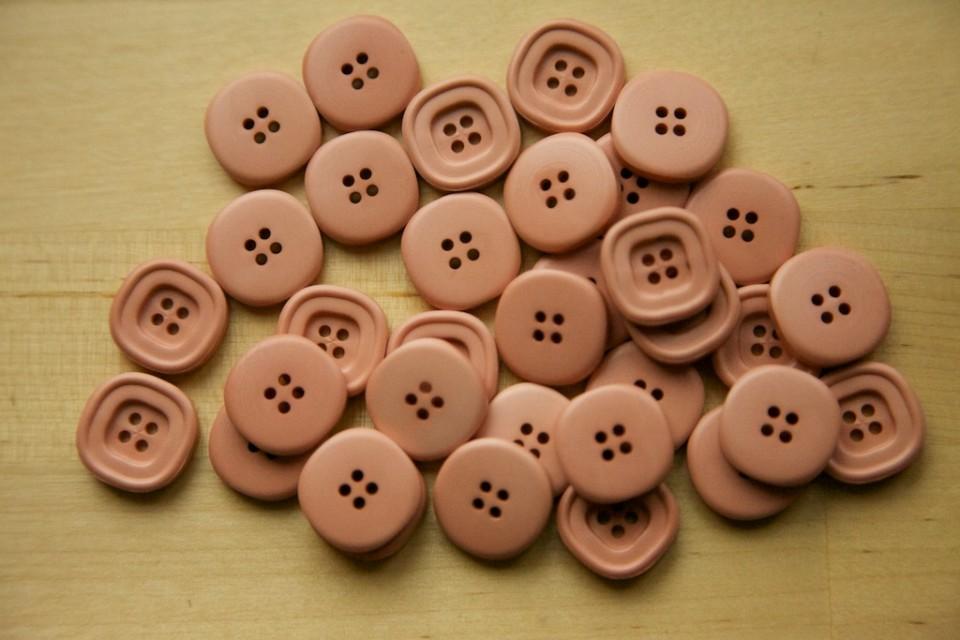 Compagnie-M_fun_stuff_buttons_2