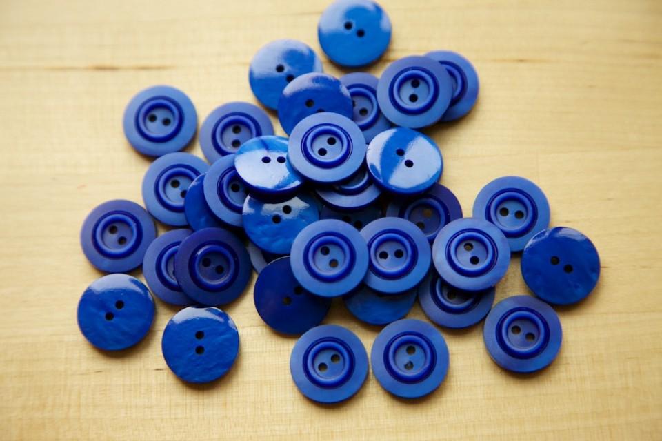 Compagnie-M_fun_stuff_buttons_3