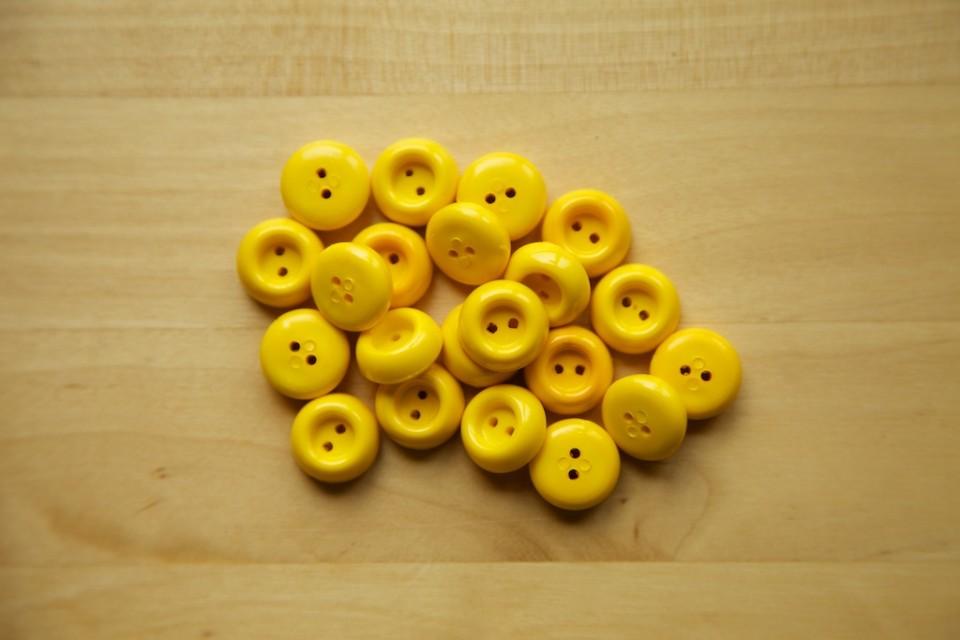 Compagnie-M_fun_stuff_buttons_5