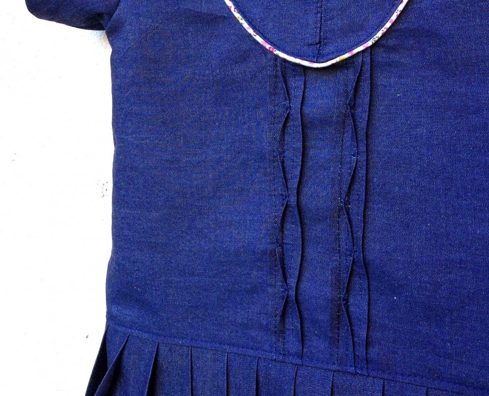 Dotta_denim_dress_detail.jpg