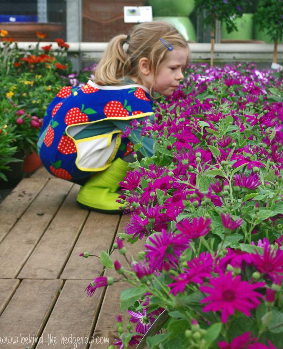 gardening-apron-crouching