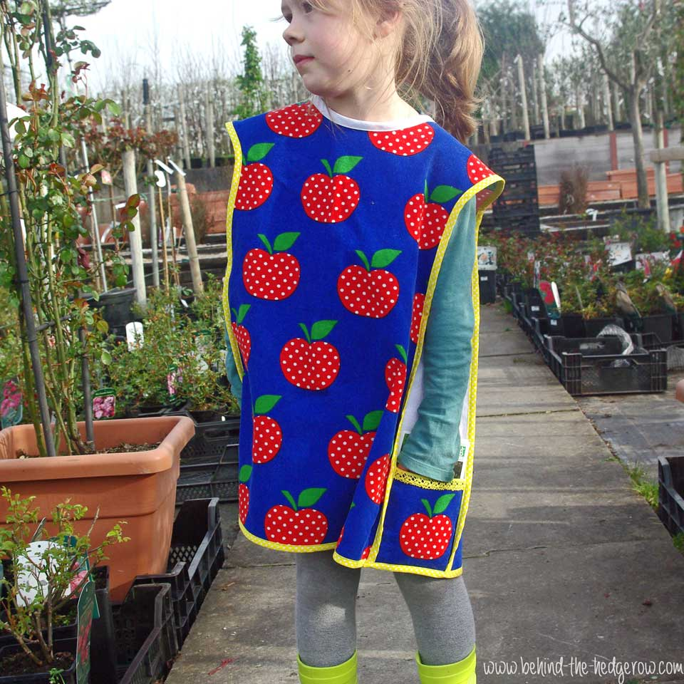 gardening-apron-front-view