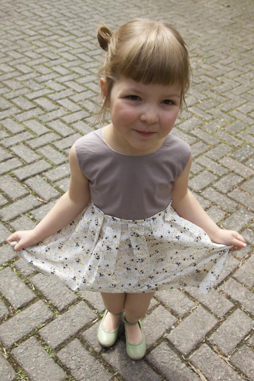 Compagnie-M_paper_fan_dress_atelier_brunette 6