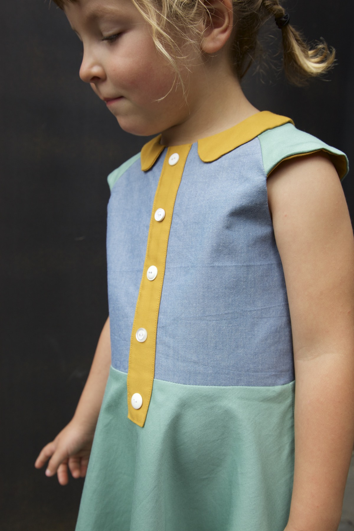 The Ileana dress combines a fitted bodice with a full or half circular skirt. Two bodice types (raglan & regular) make this a versatile pattern. Use one of the several collars, sleeves, pockets and faux button plackets to add your personal touch.