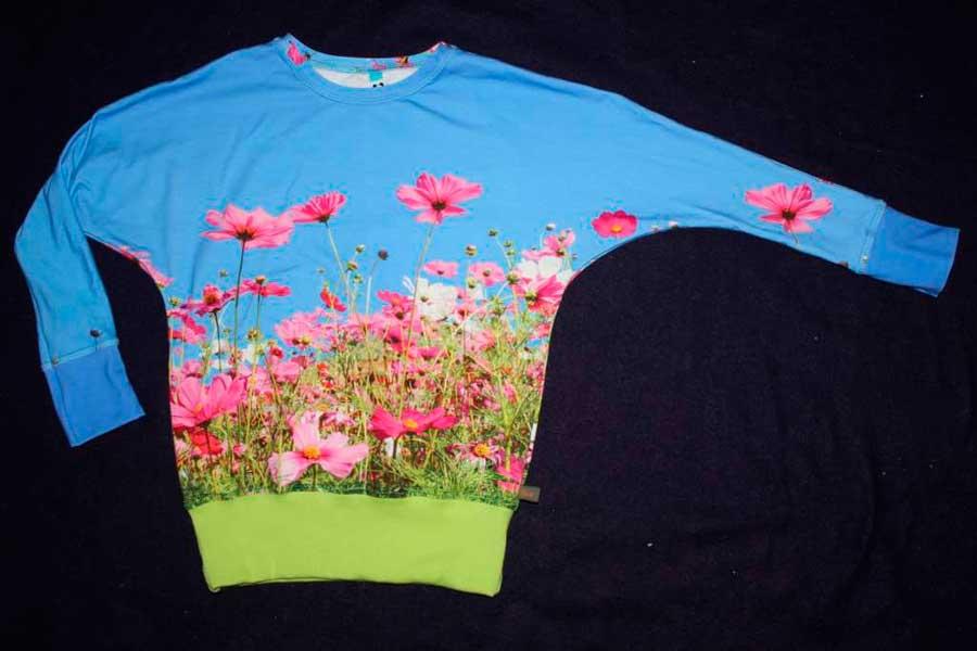 Julia Sweater met bloemetjes