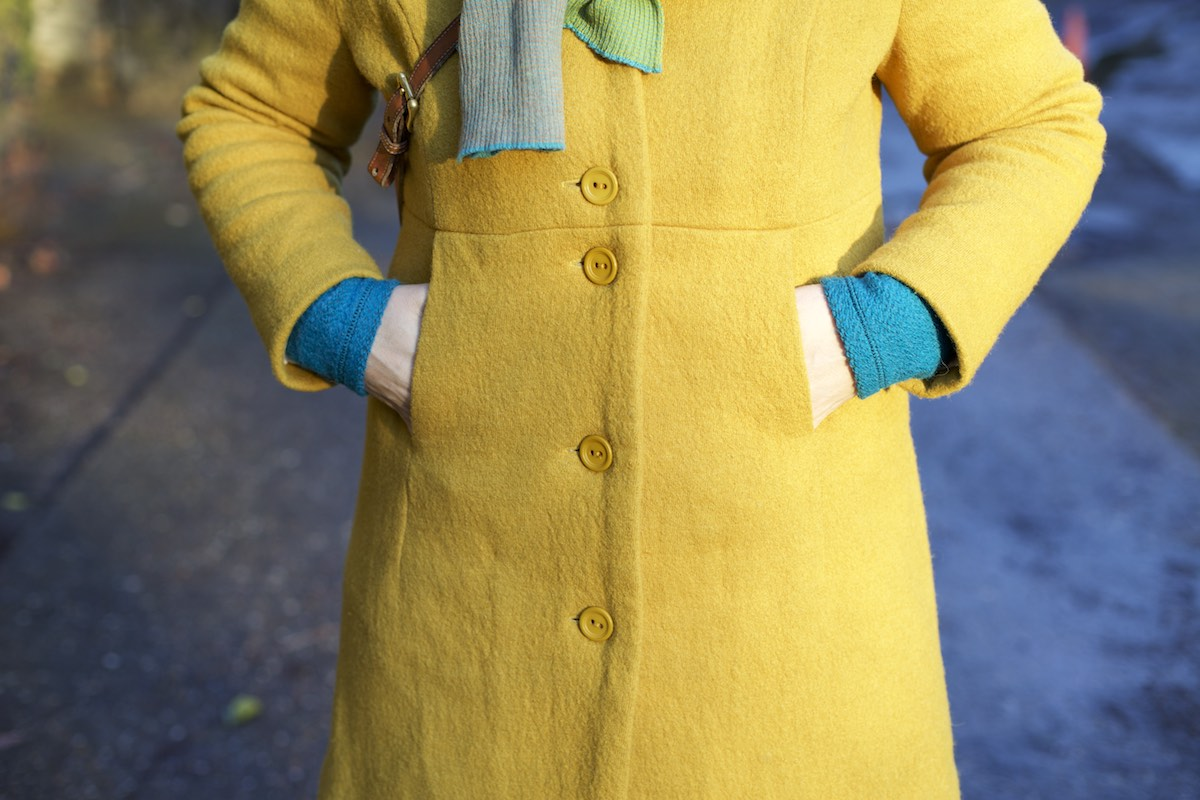 Compagnie-M_yellow_coat 2