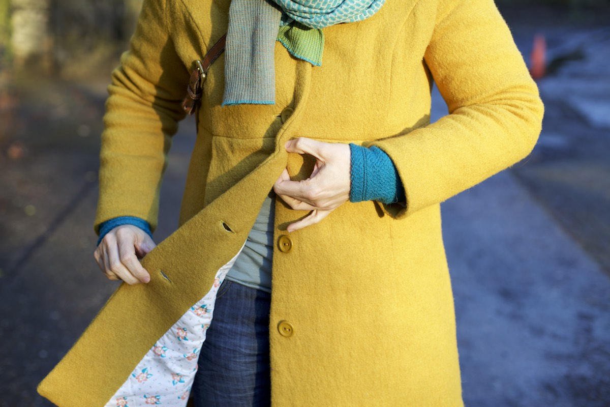Compagnie-M_yellow_coat 3
