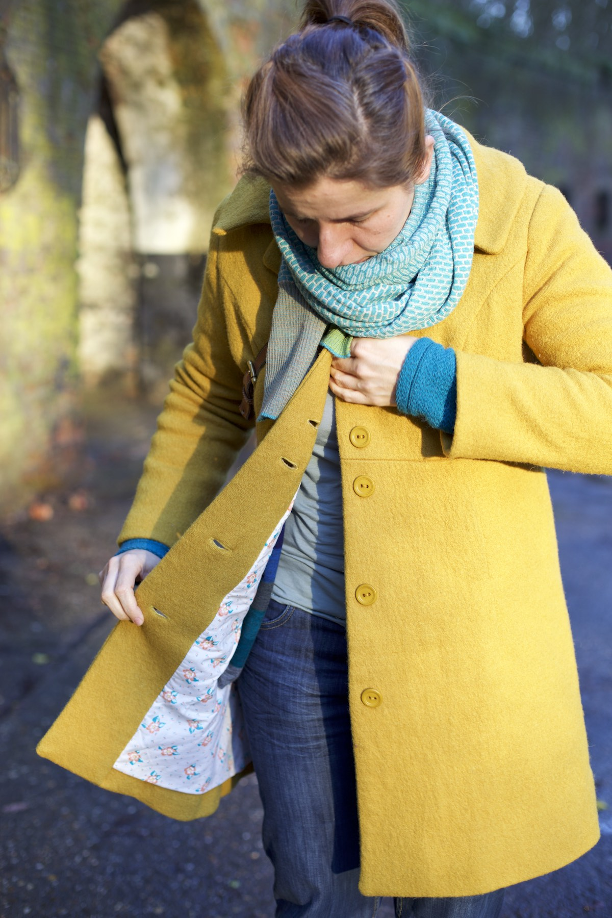 Compagnie-M_yellow_coat 4