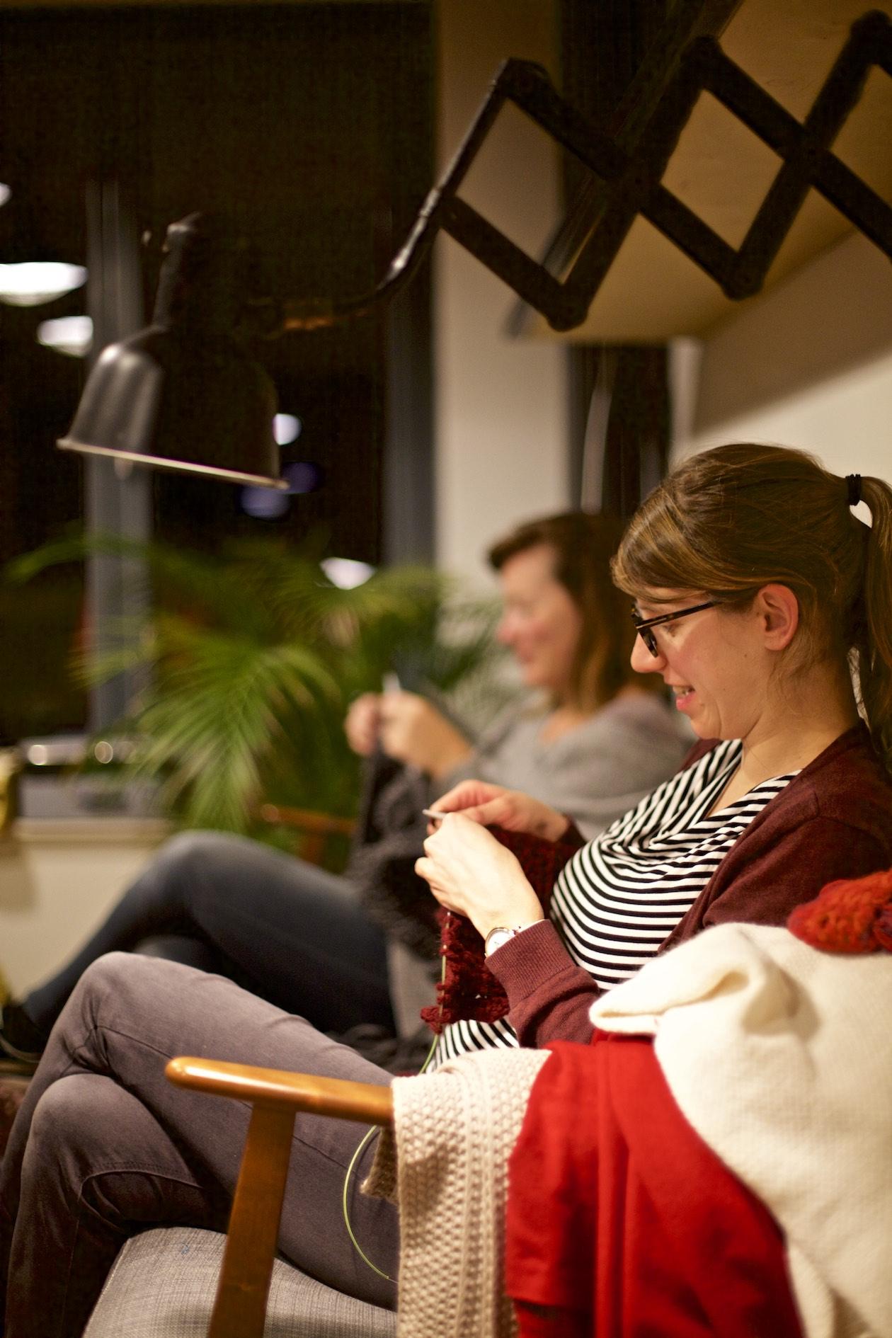 Start to knit! New workshops online.